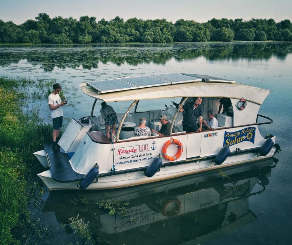 Catamaran electric hibrid solar Verada Tour